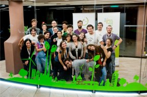 Como integrante del grupo de voluntarios del Global Eco Forum 2012.